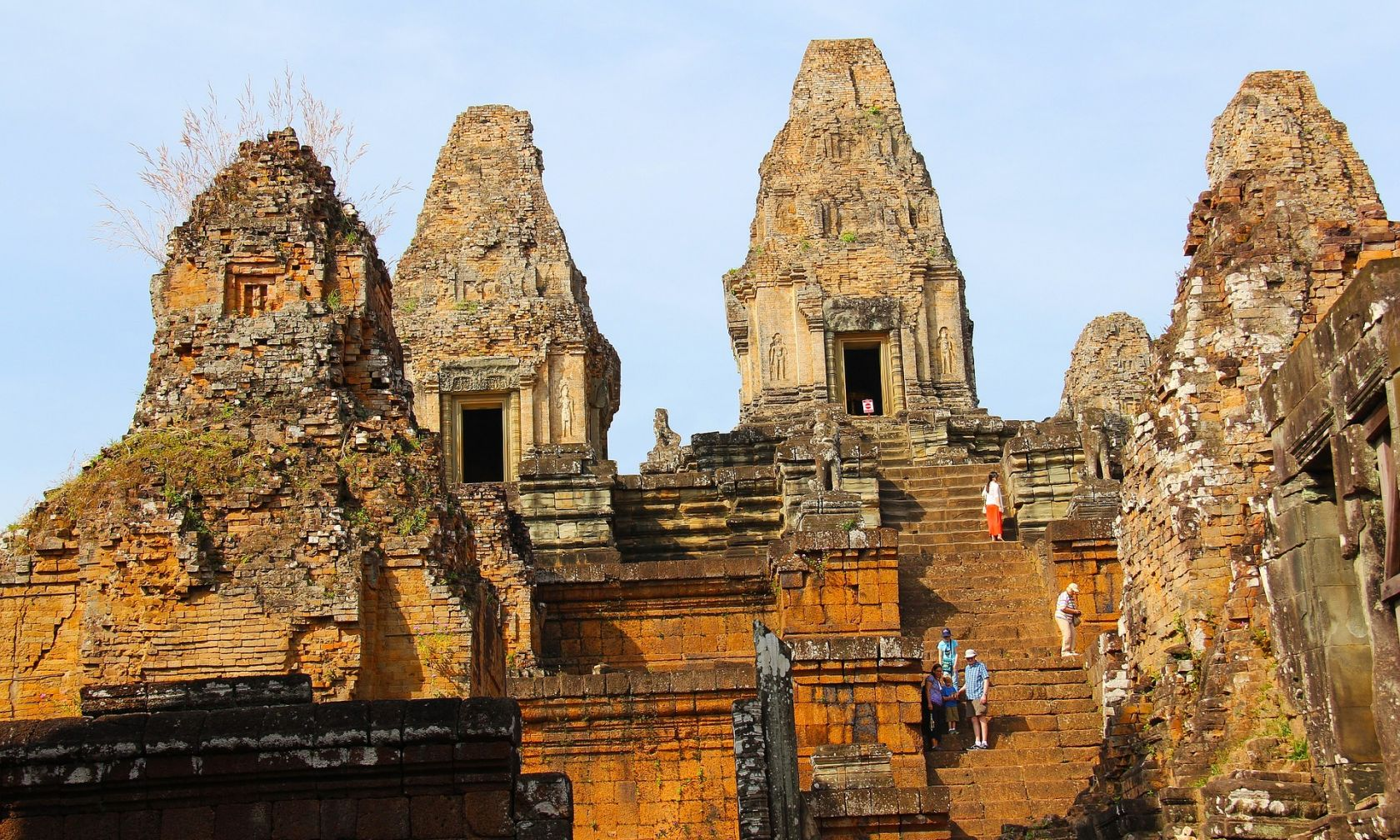 Historical Tour of Cambodia: Sacred Temples & Iconic Sites