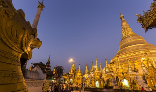 Oil Lamp Lighting Shwedagon Pagoda