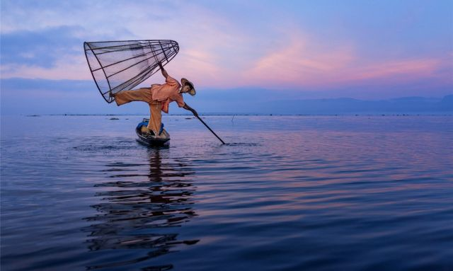 Fishing along Inle Lake