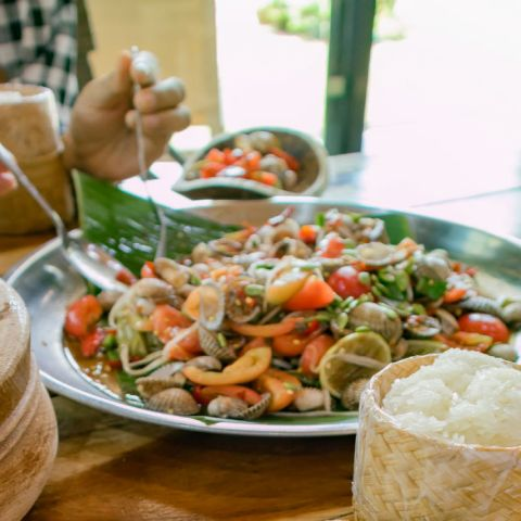 Flavors of Southeast Asia: Thailand's Somtam (Papaya Salad)